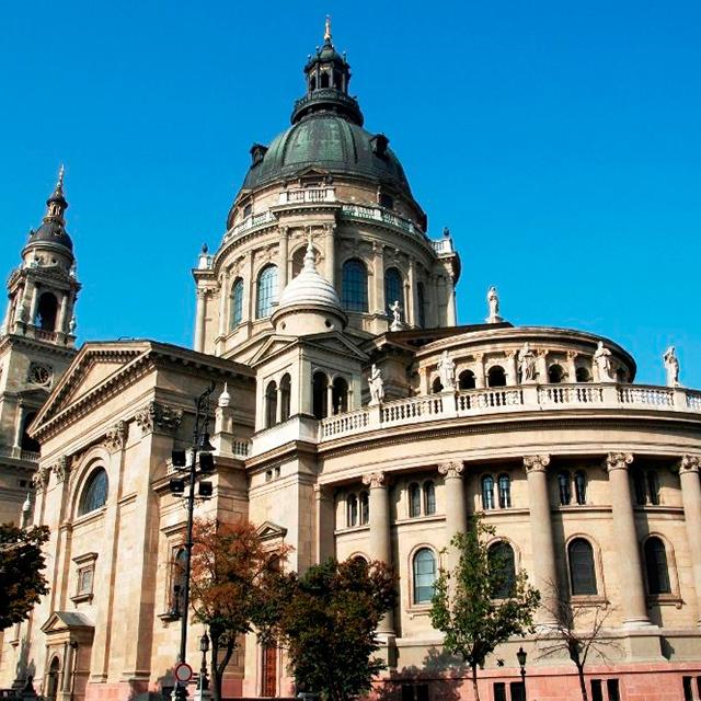 布达佩斯出发演出赛事、游船观光1日游:BU-T-1809